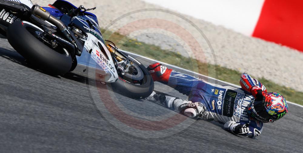 Moto gp catalunya 2013 j lorenzo crash reygondeau voltagebd Images